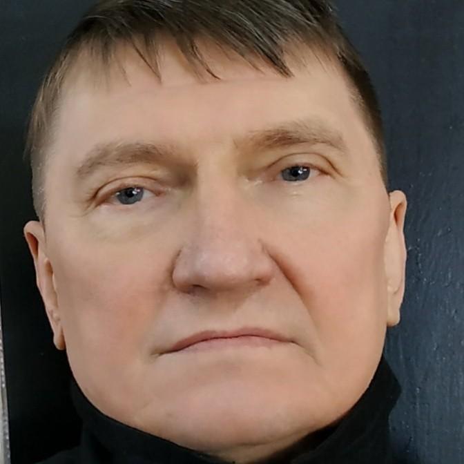 Геннадий Пустобаев